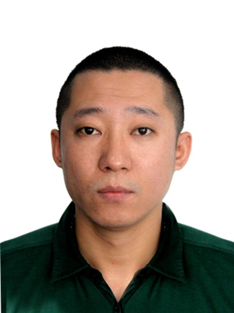 柏星龙    赵国义  董事长